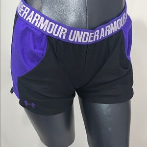UNDER ARMOUR SHORTS .!!